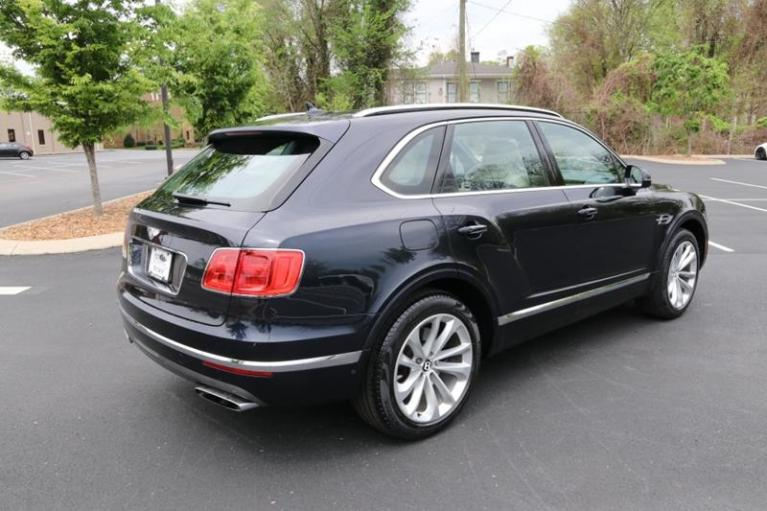 Used 2018 Bentley Bentayga Onyx Edition AWD 4dr SUV for sale Sold at Auto Collection in Murfreesboro TN 37130 3