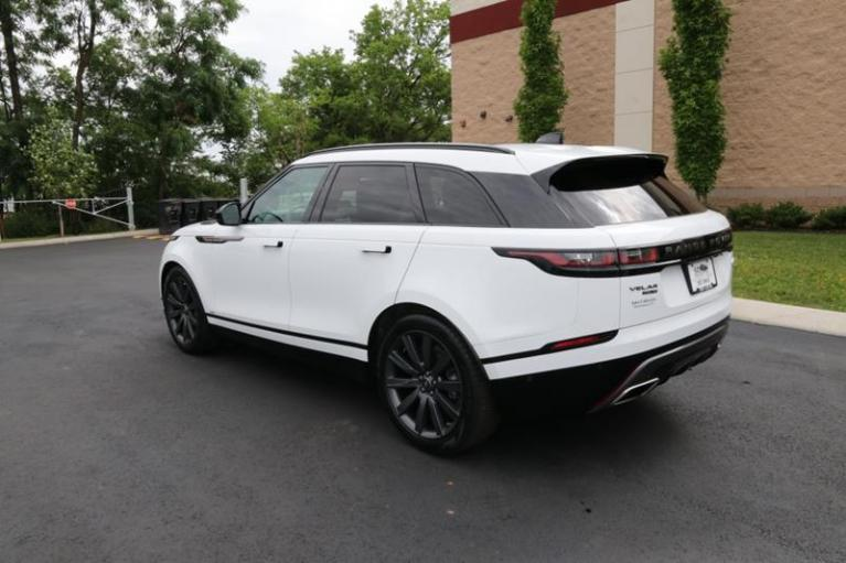 Used 2018 Land Rover Range Rover Velar R-DYNAMIC HSE for sale Sold at Auto Collection in Murfreesboro TN 37130 4