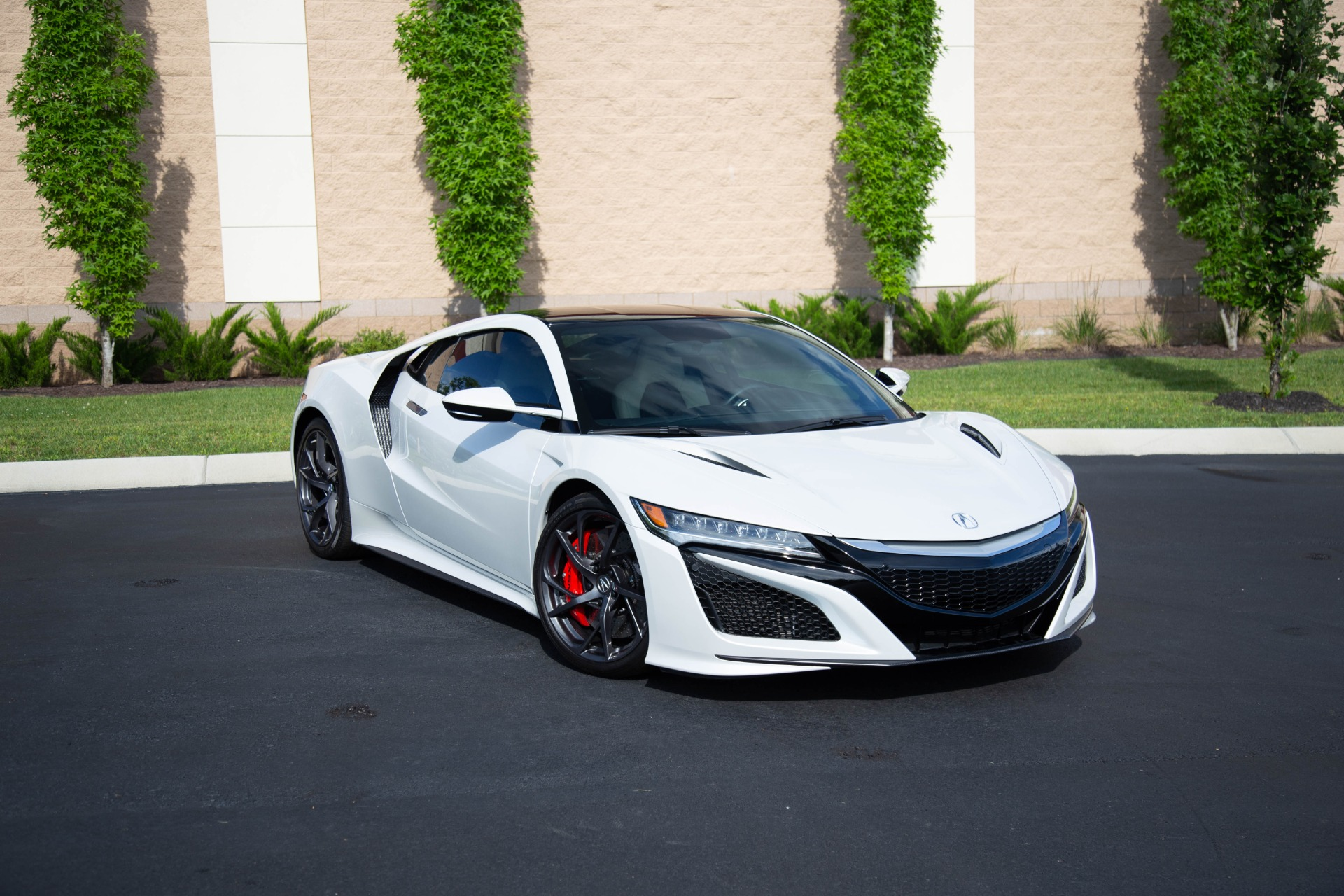 Used 2017 Acura NSX SH AWD Sport Hybrid 2dr Coupe for sale Sold at Auto Collection in Murfreesboro TN 37130 1