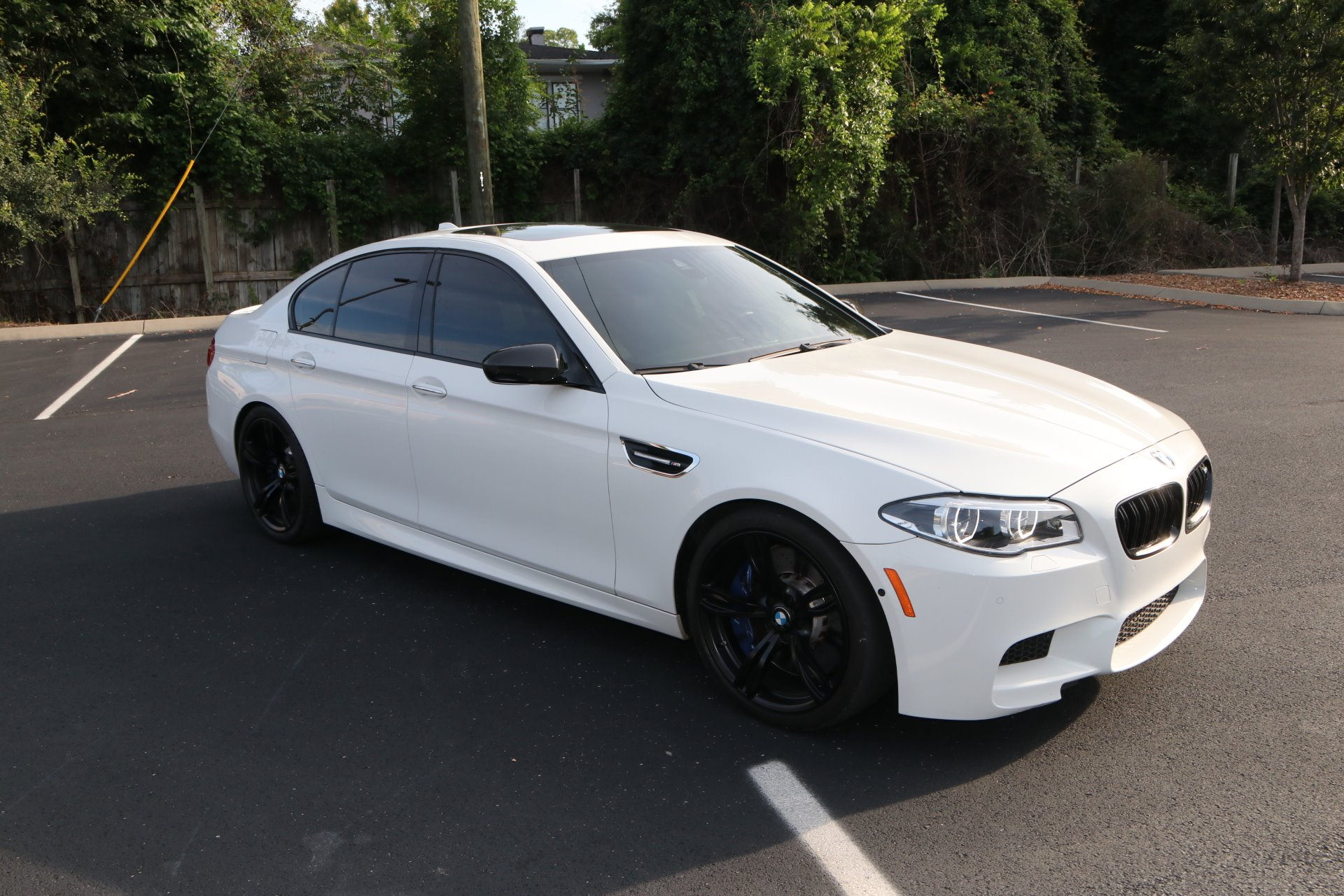 Used 2016 BMW M5 COMPETITION PKG W/NAV for sale Sold at Auto Collection in Murfreesboro TN 37130 1
