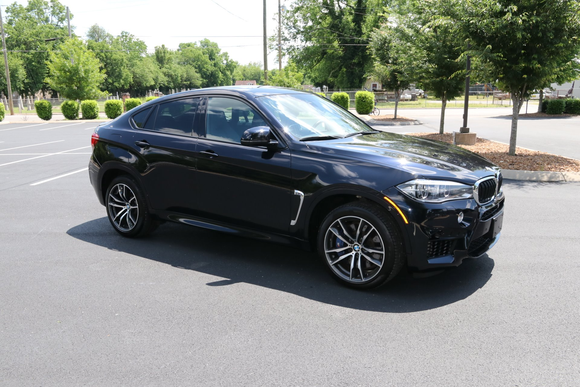 Used 2016 BMW X6 M for sale Sold at Auto Collection in Murfreesboro TN 37130 1