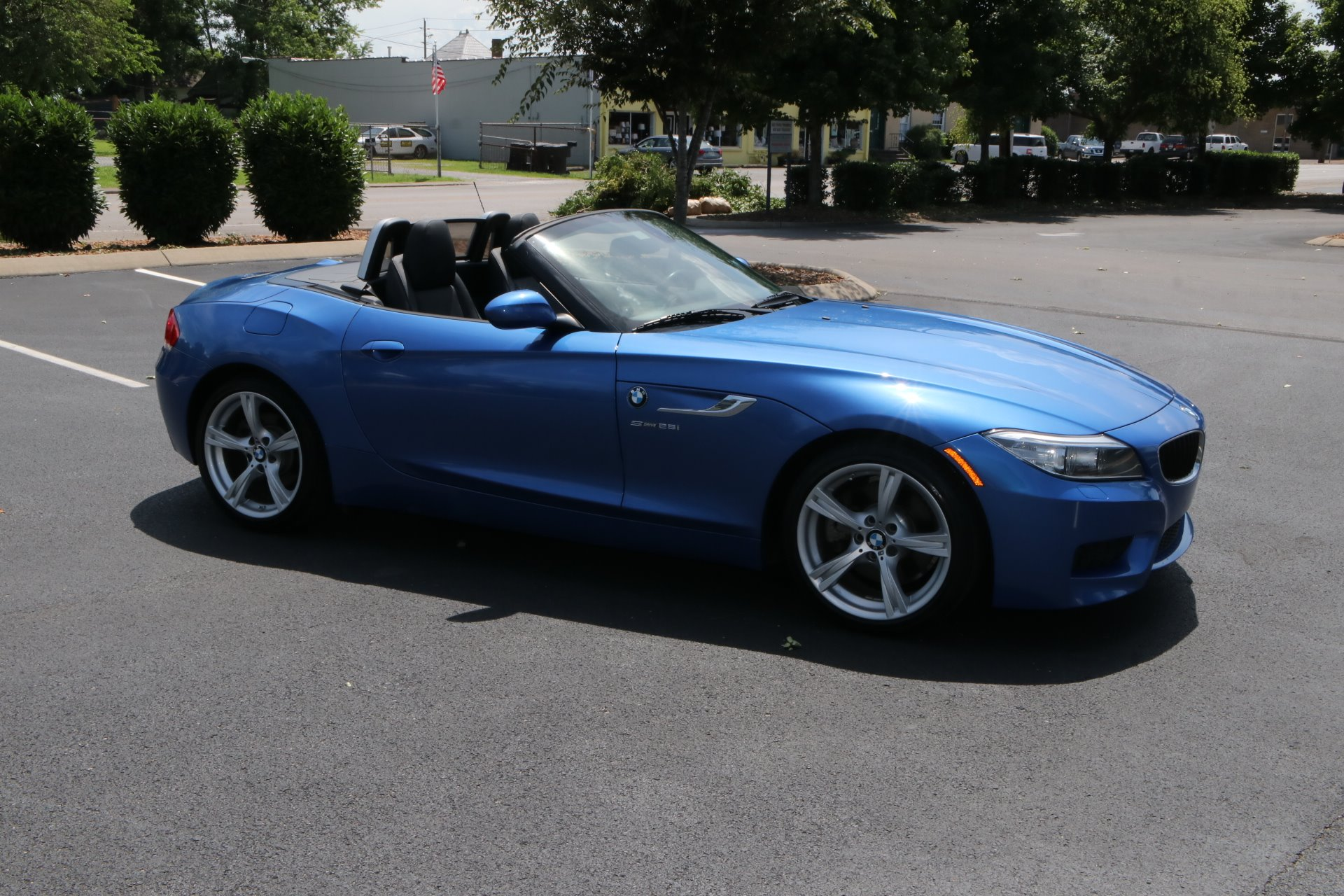 Used 2016 BMW Z4 2DR ROADSTER SDRIVE28I M SPORT W/NAV sDrive28i for sale Sold at Auto Collection in Murfreesboro TN 37130 1