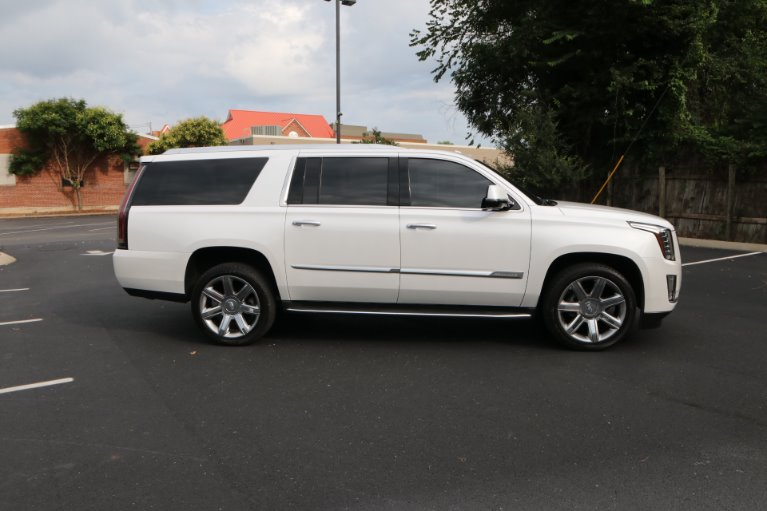 Used 2016 Cadillac Escalade ESV Luxury Collection for sale Sold at Auto Collection in Murfreesboro TN 37130 8