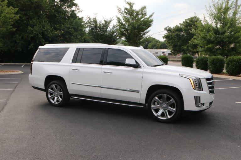 Used 2016 Cadillac Escalade ESV Luxury Collection for sale Sold at Auto Collection in Murfreesboro TN 37130 1