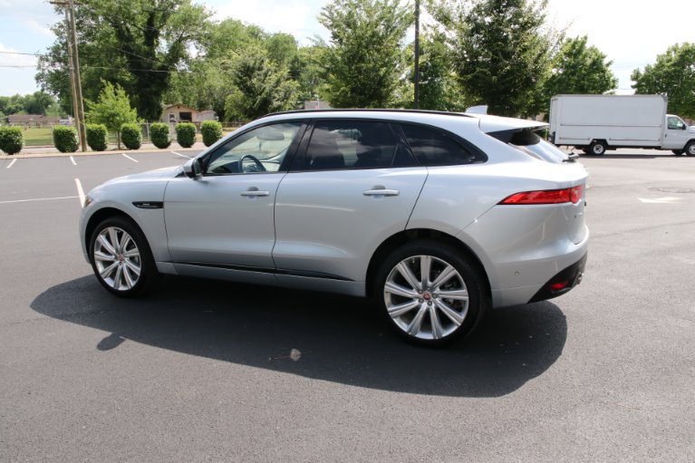 Used 2017 Jaguar F-PACE 35T R-SPORT AWD W/NAV 35t R-Sport for sale Sold at Auto Collection in Murfreesboro TN 37130 4