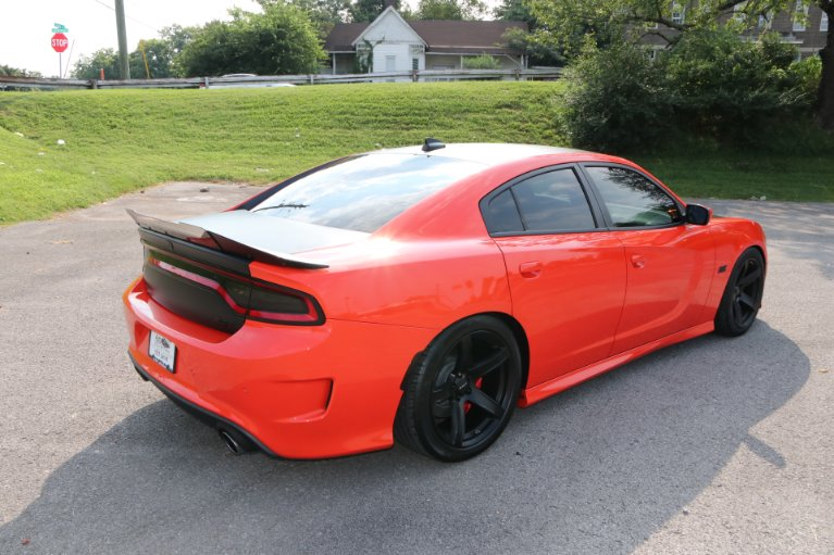 Used 2018 Dodge Charger SRT 392 for sale Sold at Auto Collection in Murfreesboro TN 37130 3