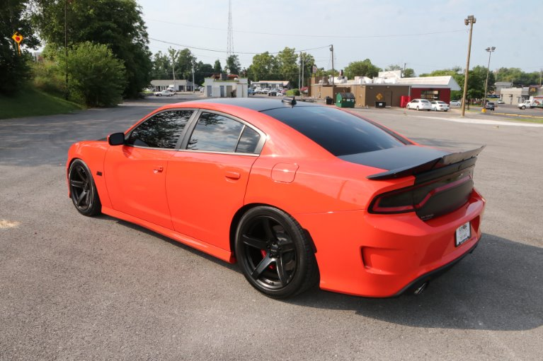 Used 2018 Dodge Charger SRT 392 for sale Sold at Auto Collection in Murfreesboro TN 37130 4