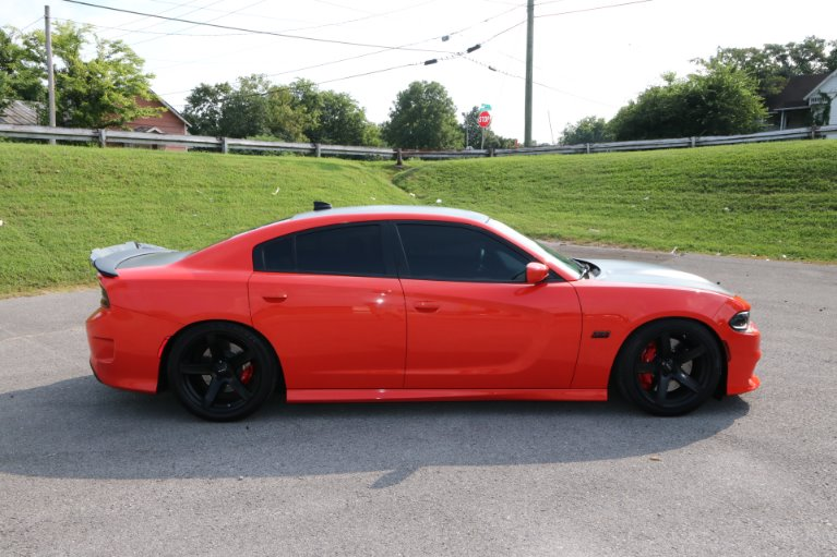 Used 2018 Dodge Charger SRT 392 for sale Sold at Auto Collection in Murfreesboro TN 37130 8