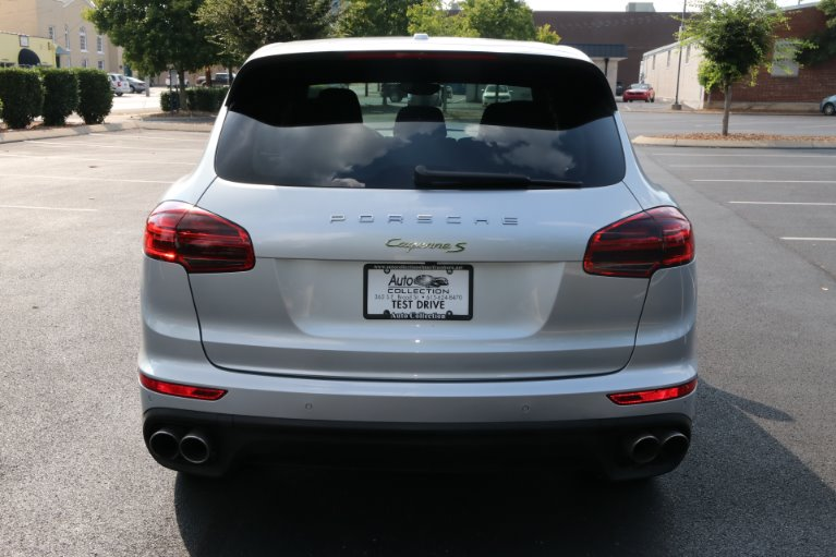 Used 2016 Porsche Cayenne S E-Hybrid for sale Sold at Auto Collection in Murfreesboro TN 37130 6