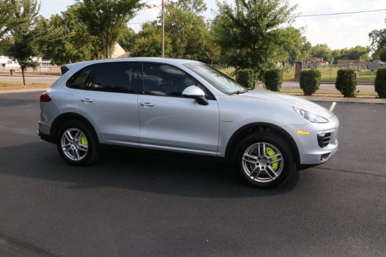 Used 2016 Porsche Cayenne S E-Hybrid for sale Sold at Auto Collection in Murfreesboro TN 37130 1