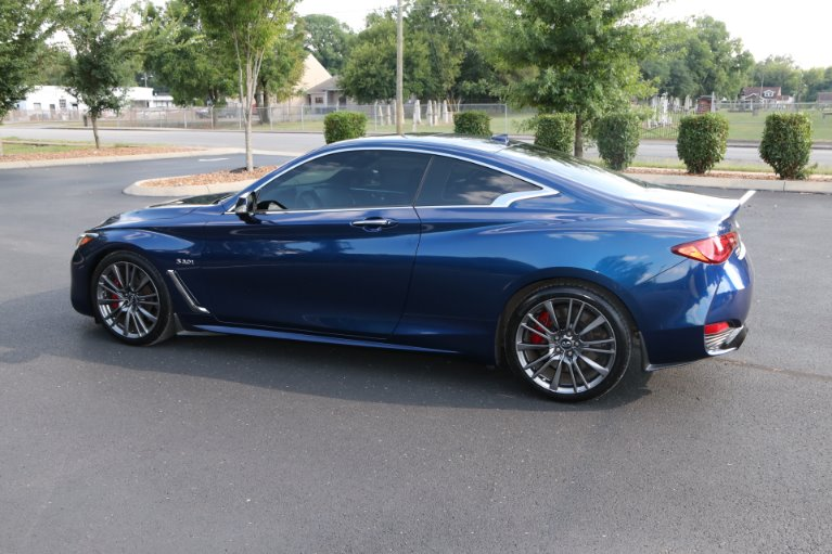 Used 2017 INFINITI Q60 Red Sport 400 for sale Sold at Auto Collection in Murfreesboro TN 37130 4