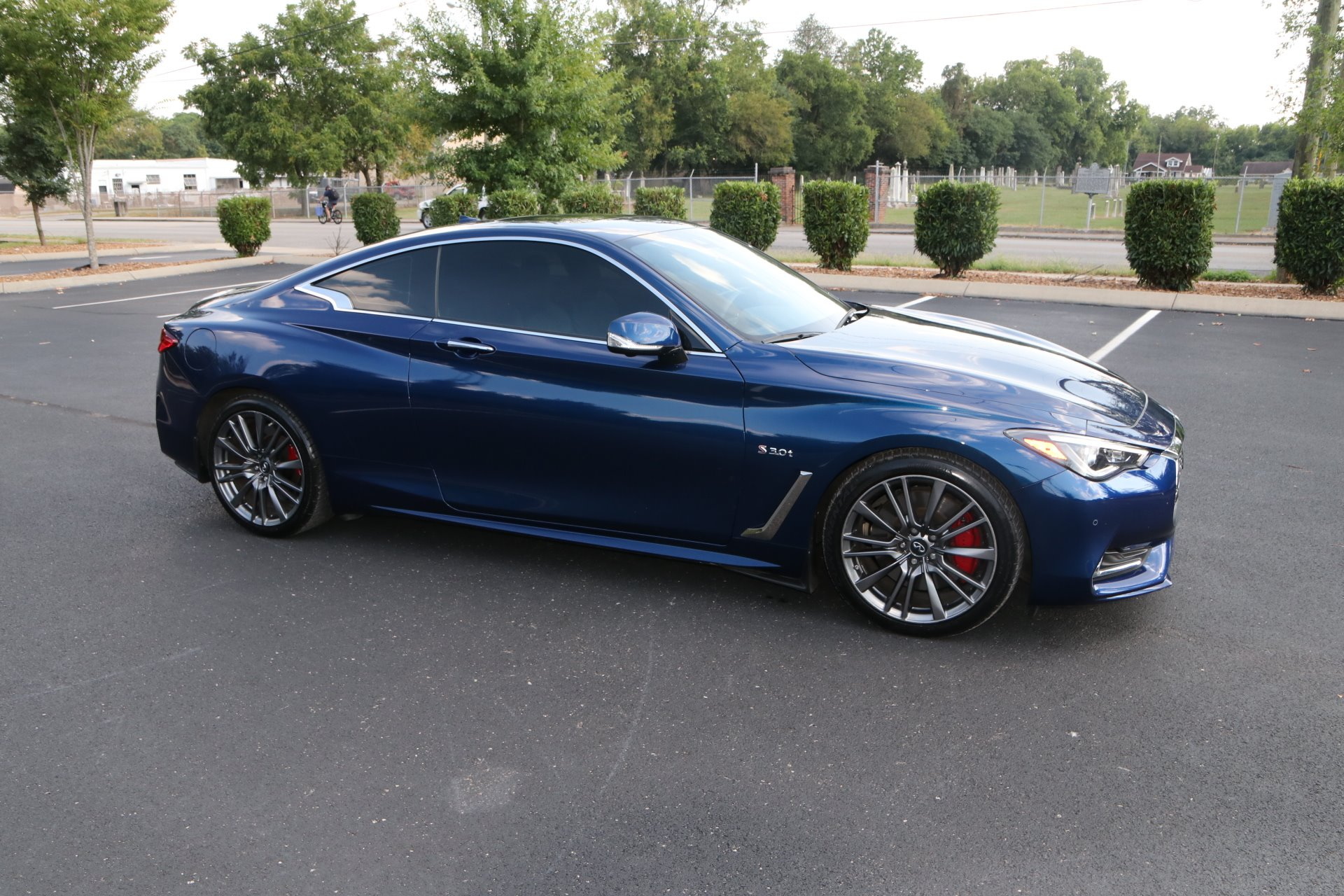 Used 2017 INFINITI Q60 Red Sport 400 for sale Sold at Auto Collection in Murfreesboro TN 37130 1
