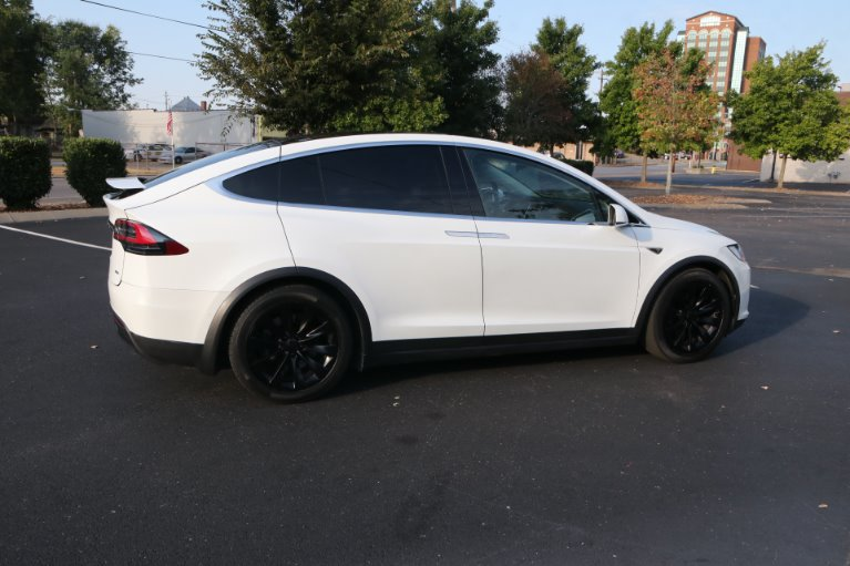 Used 2016 Tesla Model X 90D for sale Sold at Auto Collection in Murfreesboro TN 37130 3