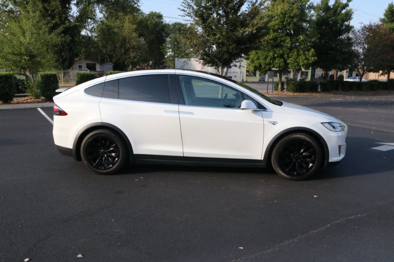 Used 2016 Tesla Model X 90D for sale Sold at Auto Collection in Murfreesboro TN 37130 8