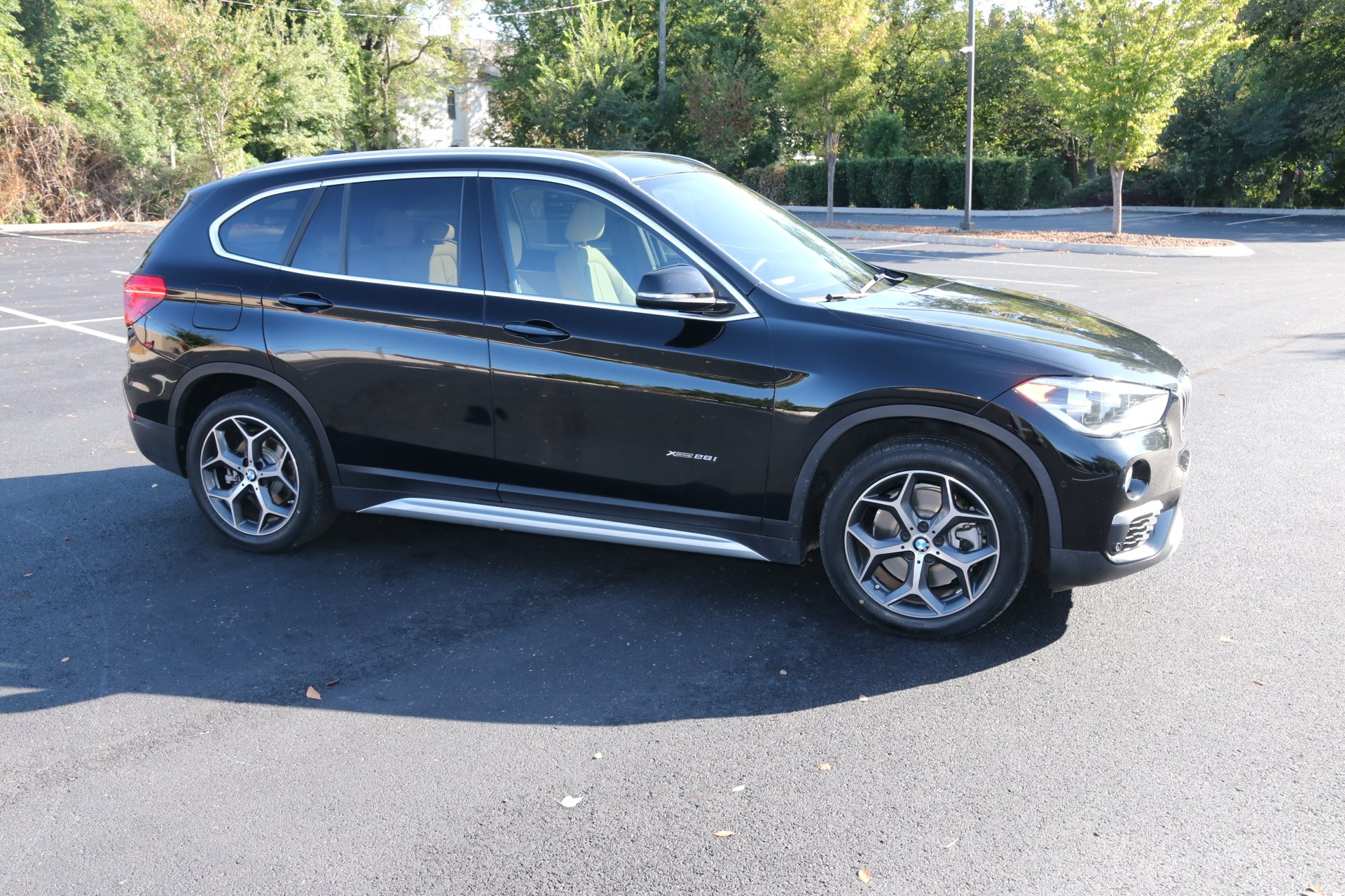 Used 2017 BMW X1 XDRIVE28I AWD W/NAV xDrive28i for sale Sold at Auto Collection in Murfreesboro TN 37130 1