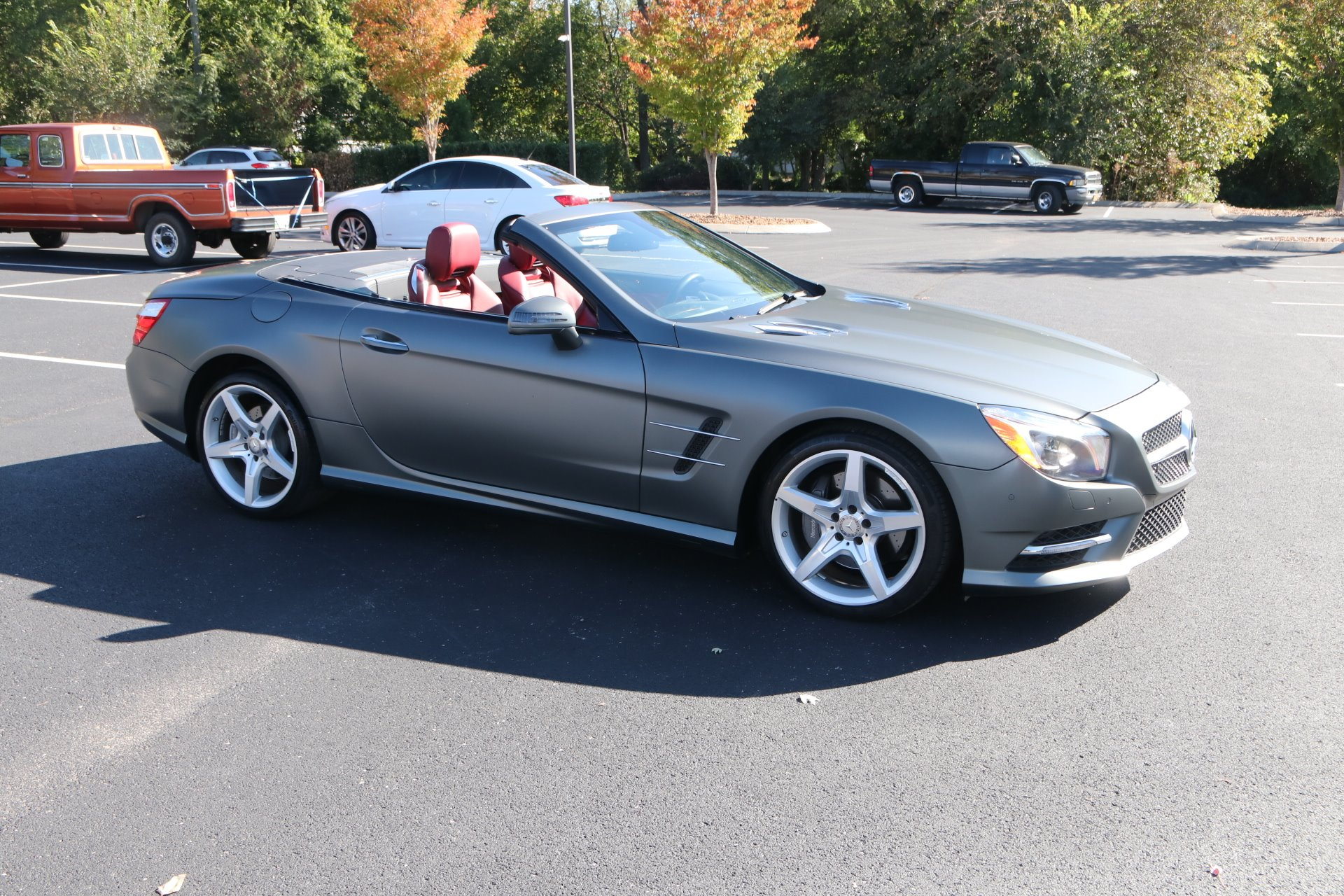 Used 2016 Mercedes-Benz SL-Class SL 400 for sale Sold at Auto Collection in Murfreesboro TN 37130 1