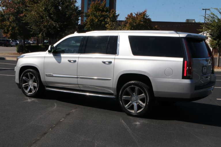 Used 2016 Cadillac Escalade ESV LUXURY 2WD W/NAV TV DVD Luxury Collection for sale Sold at Auto Collection in Murfreesboro TN 37130 4