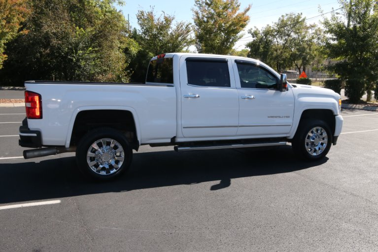 Used 2019 GMC Sierra 2500HD Denali for sale Sold at Auto Collection in Murfreesboro TN 37130 3