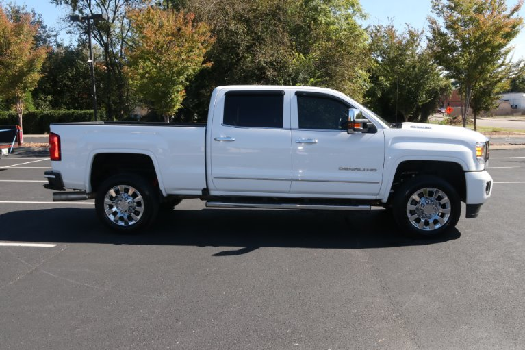 Used 2019 GMC Sierra 2500HD Denali for sale Sold at Auto Collection in Murfreesboro TN 37130 8