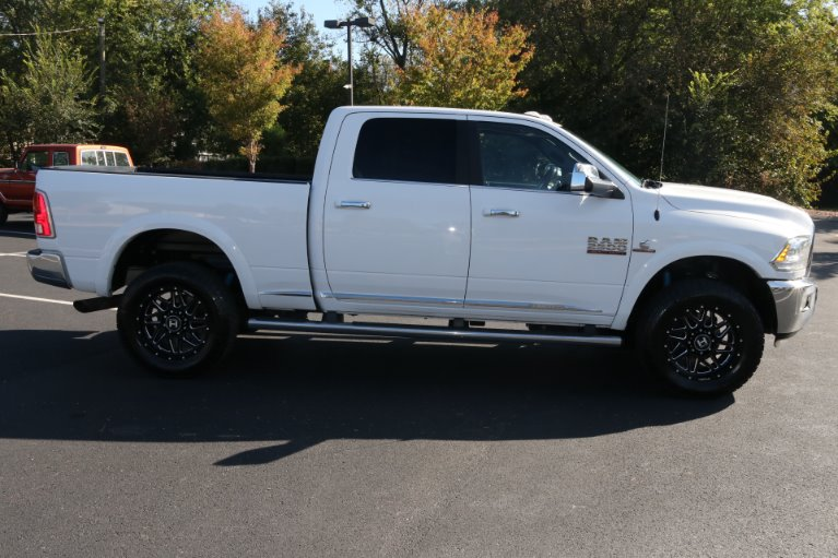 Used 2017 Ram Ram Pickup 2500 Laramie Limited for sale Sold at Auto Collection in Murfreesboro TN 37130 8