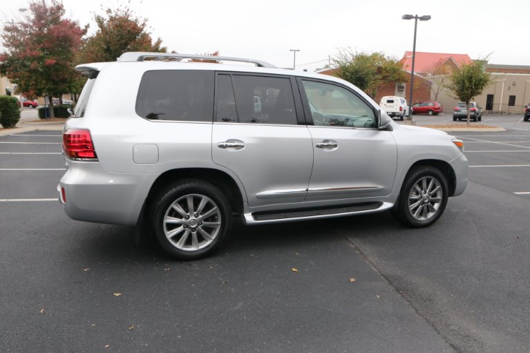 Used 2009 Lexus LX 570 for sale Sold at Auto Collection in Murfreesboro TN 37130 3