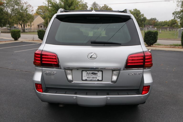 Used 2009 Lexus LX 570 for sale Sold at Auto Collection in Murfreesboro TN 37130 6
