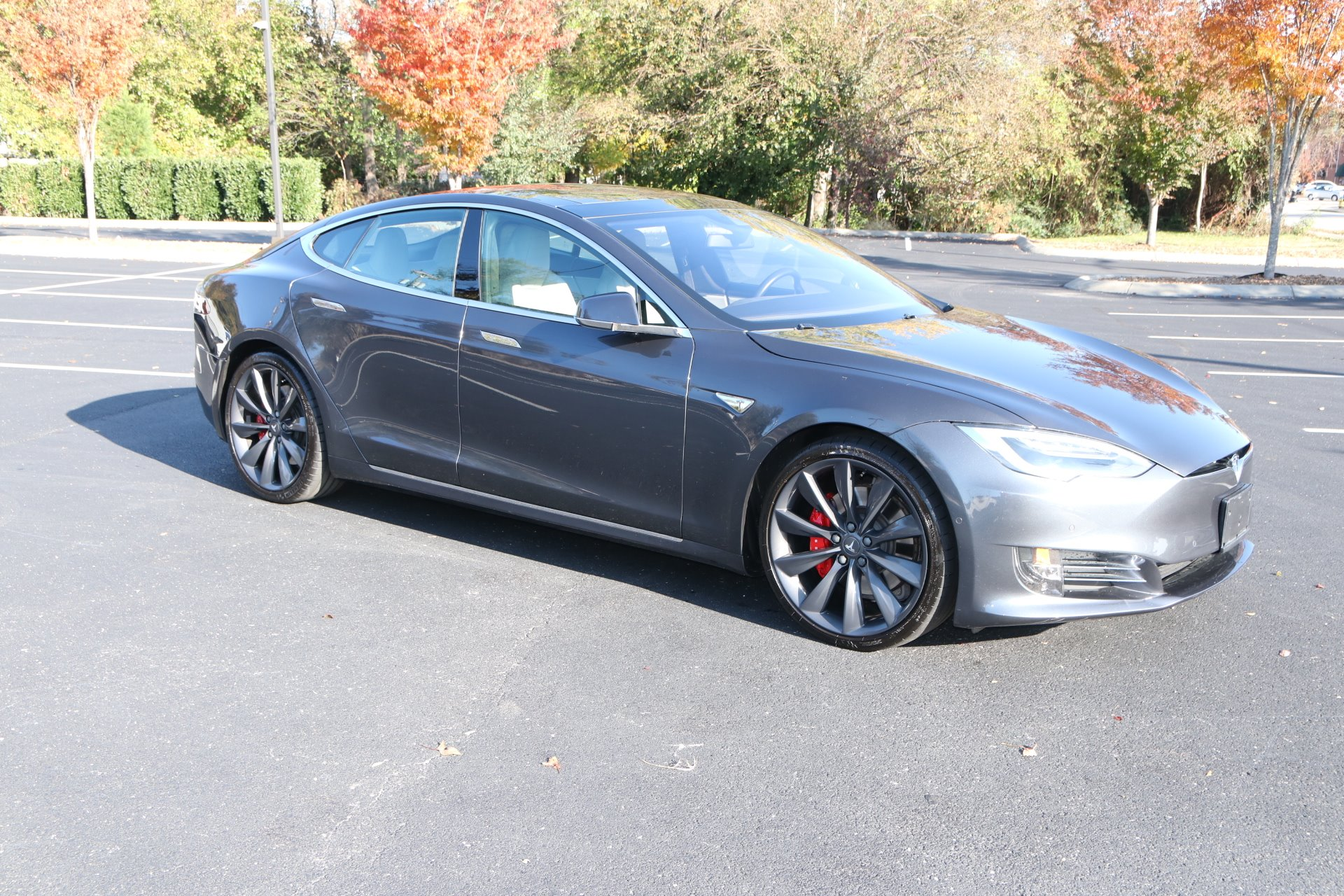 Used 2016 Tesla Model S P90D for sale $78,950 at Auto Collection in Murfreesboro TN 37129 1