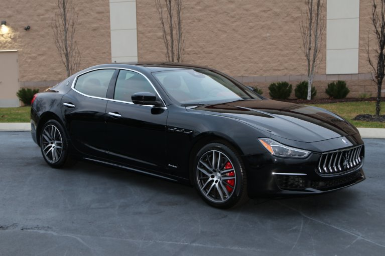 Used 2018 Maserati Ghibli S Q4 GRANLUSSO AWD W/NAV SQ4 GranLusso for sale Sold at Auto Collection in Murfreesboro TN 37130 1