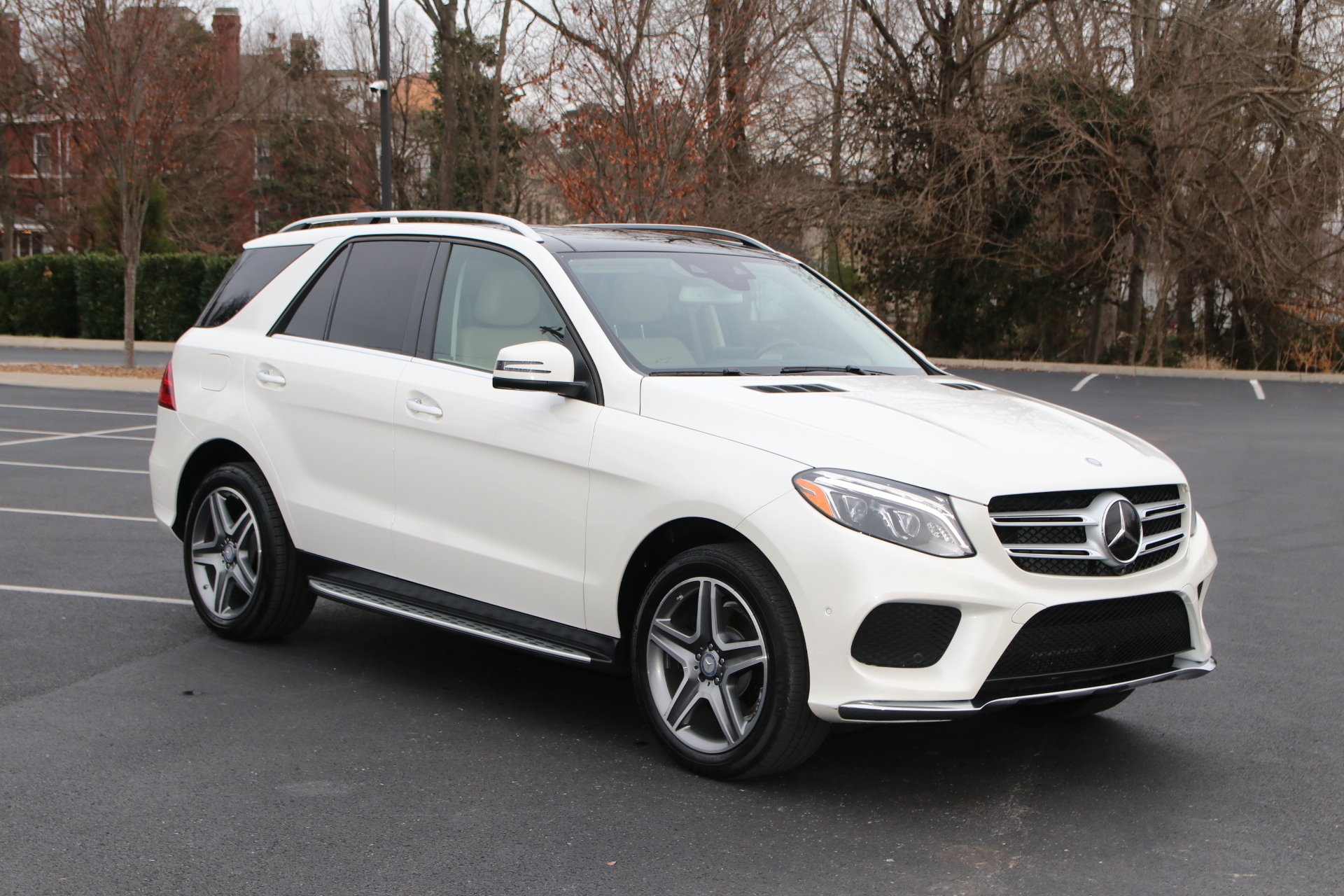 Used 2016 Mercedes-Benz GLE400 4MATIC AWD W/NAV TV DVD GLE 400 4MATIC for sale Sold at Auto Collection in Murfreesboro TN 37130 1