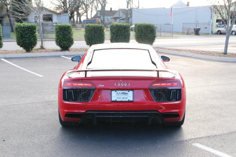 Used 2017 Audi R8 5.2 V10 plus Quattro AWD W/NAV 5.2 quattro V10 Plus for sale Sold at Auto Collection in Murfreesboro TN 37130 6