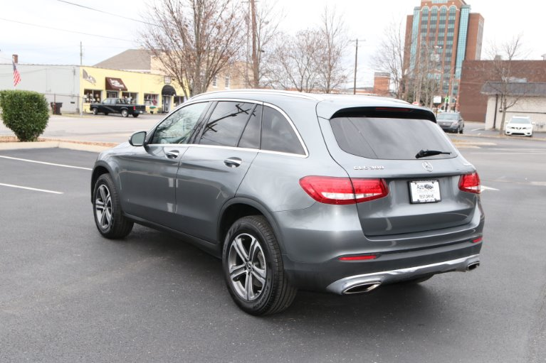Used 2017 Mercedes-Benz GLC300 4MATIC AWD W/NAV GLC 300 4MATIC for sale Sold at Auto Collection in Murfreesboro TN 37130 4