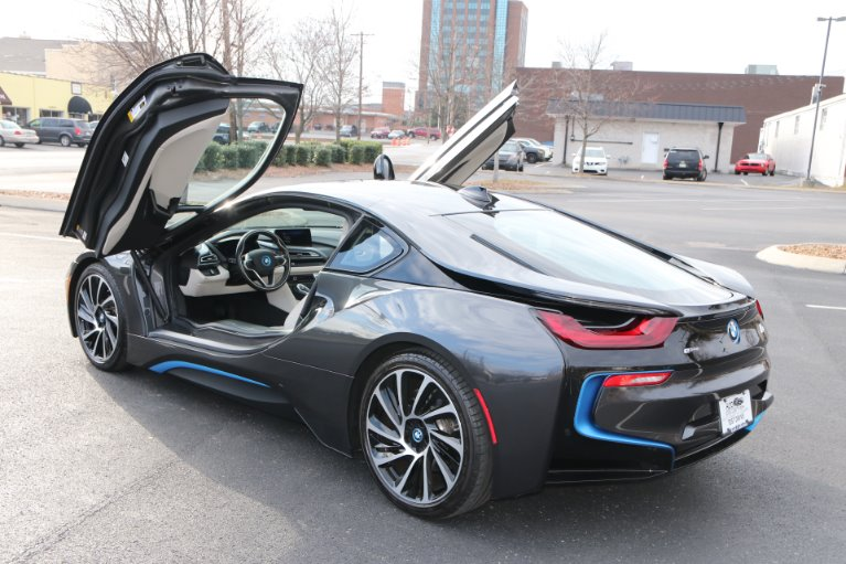 Used 2017 BMW i8 GIGI World AWD W/NAV for sale Sold at Auto Collection in Murfreesboro TN 37130 4