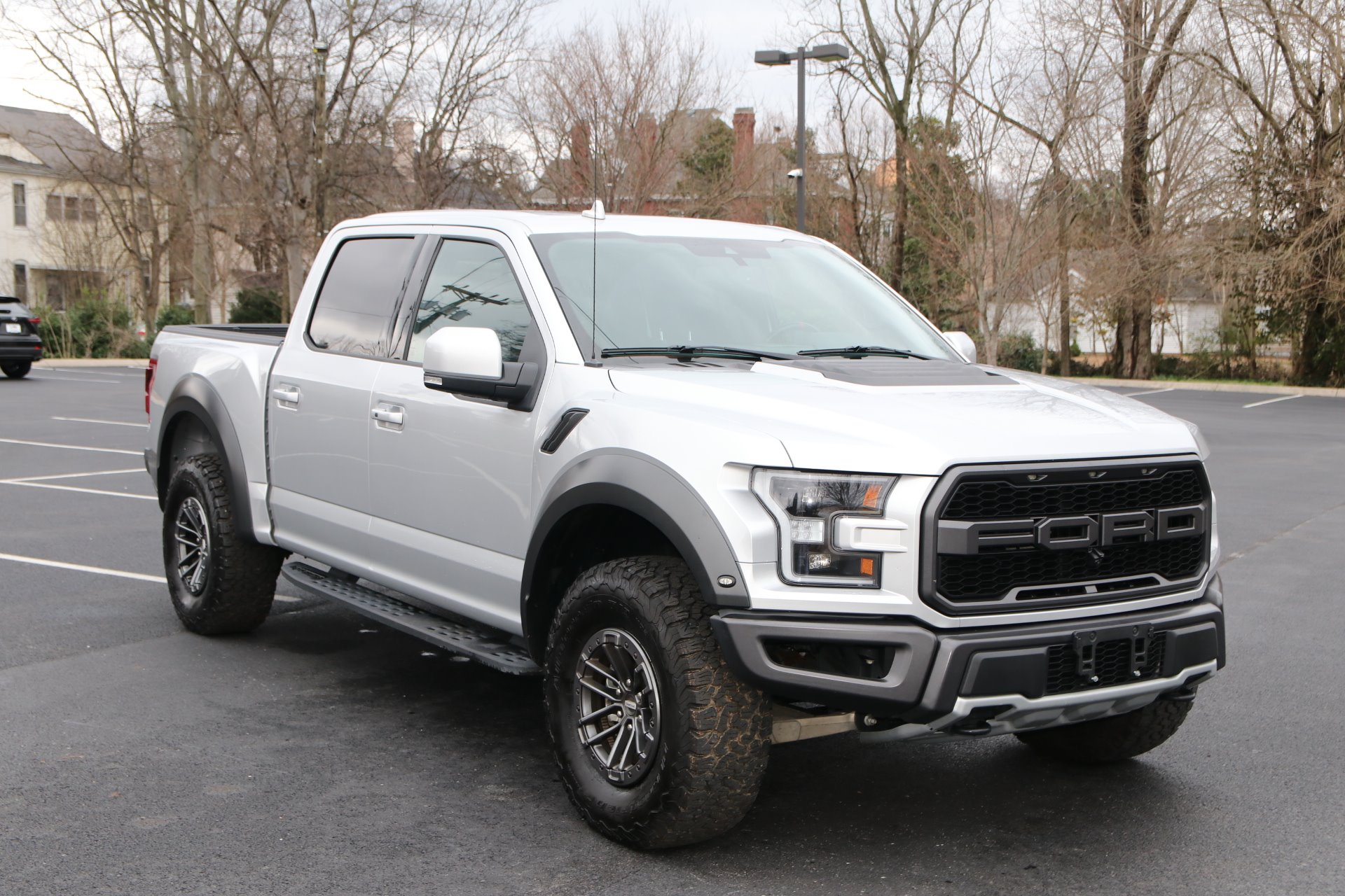 Used 2019 Ford F-150 Raptor Crew cab 4x4 Raptor for sale Sold at Auto Collection in Murfreesboro TN 37130 1