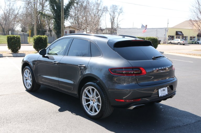 Used 2018 Porsche Macan Plus AWD for sale Sold at Auto Collection in Murfreesboro TN 37130 4