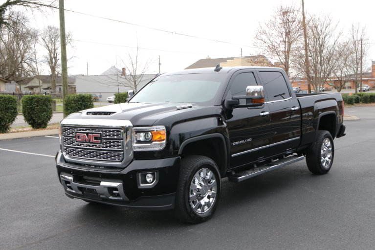 Used 2018 GMC Sierra 2500HD Denali for sale Sold at Auto Collection in Murfreesboro TN 37130 2