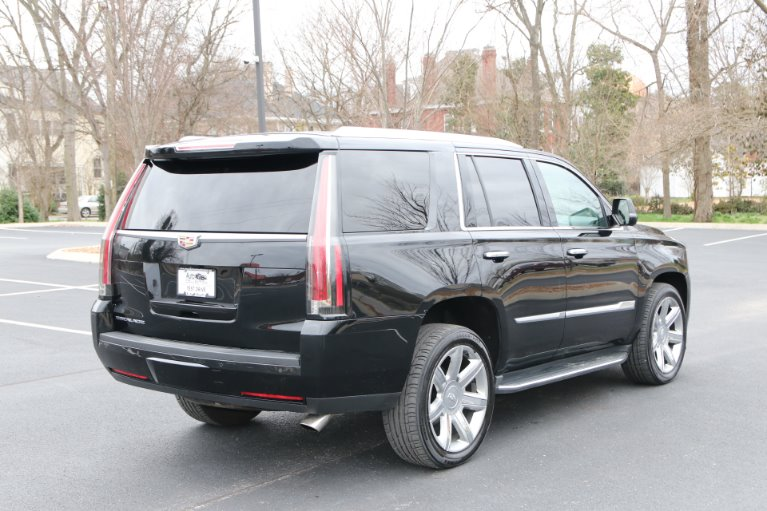 Used 2016 Cadillac Escalade Luxury Collection for sale Sold at Auto Collection in Murfreesboro TN 37130 3
