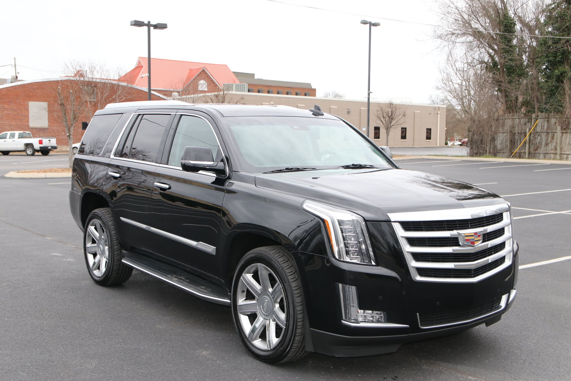 Used 2016 Cadillac Escalade Luxury Collection for sale Sold at Auto Collection in Murfreesboro TN 37130 1