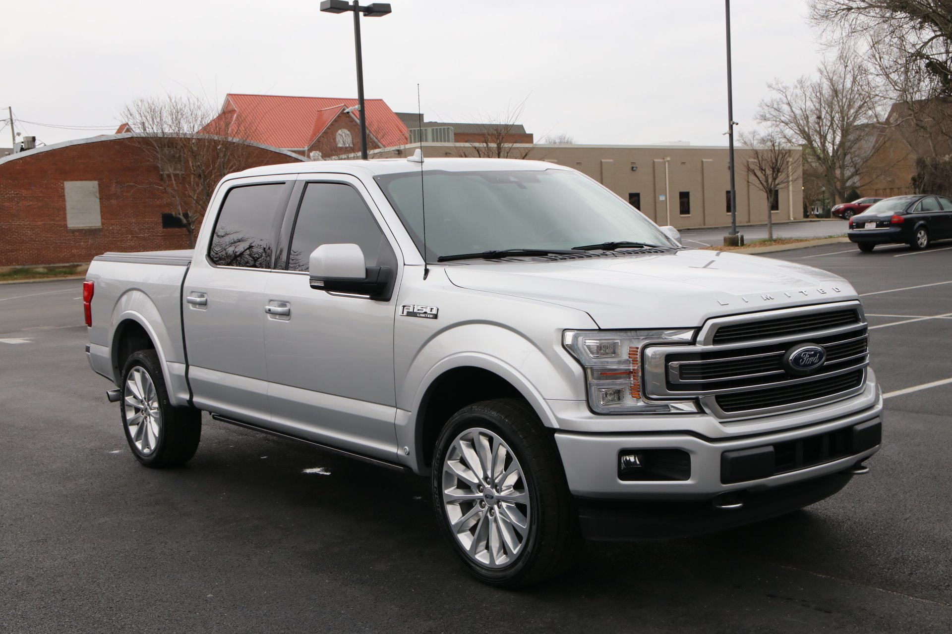 Used 2018 Ford F-150 Limited Crew Cab 4x4 3.5 Ecoboost W/NAV Limited for sale Sold at Auto Collection in Murfreesboro TN 37129 1