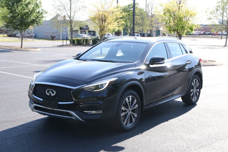 Used 2017 INFINITI QX30 Premium AWD W/NAV Premium for sale Sold at Auto Collection in Murfreesboro TN 37130 2
