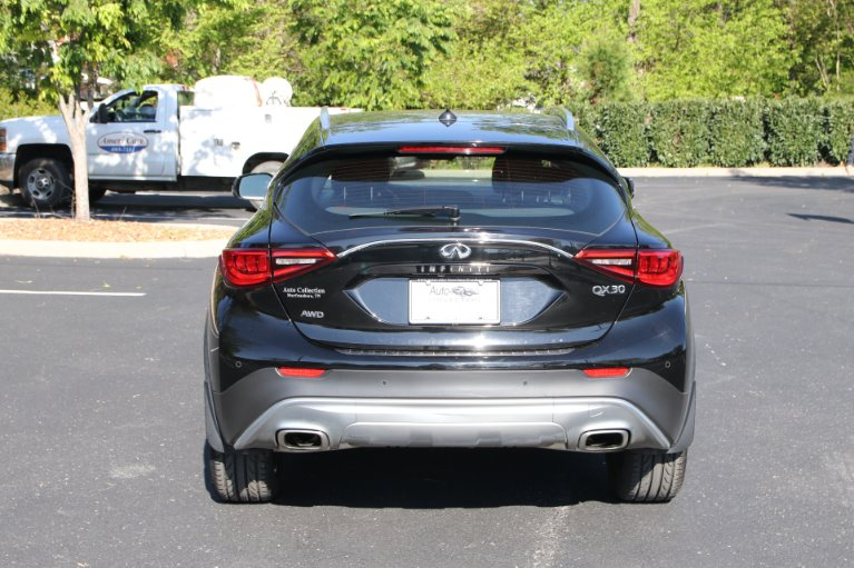 Used 2017 INFINITI QX30 Premium AWD W/NAV Premium for sale Sold at Auto Collection in Murfreesboro TN 37130 6