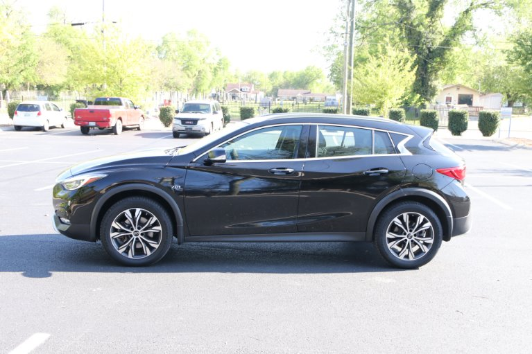 Used 2017 INFINITI QX30 Premium AWD W/NAV Premium for sale $21,950 at Auto Collection in Murfreesboro TN 37129 7