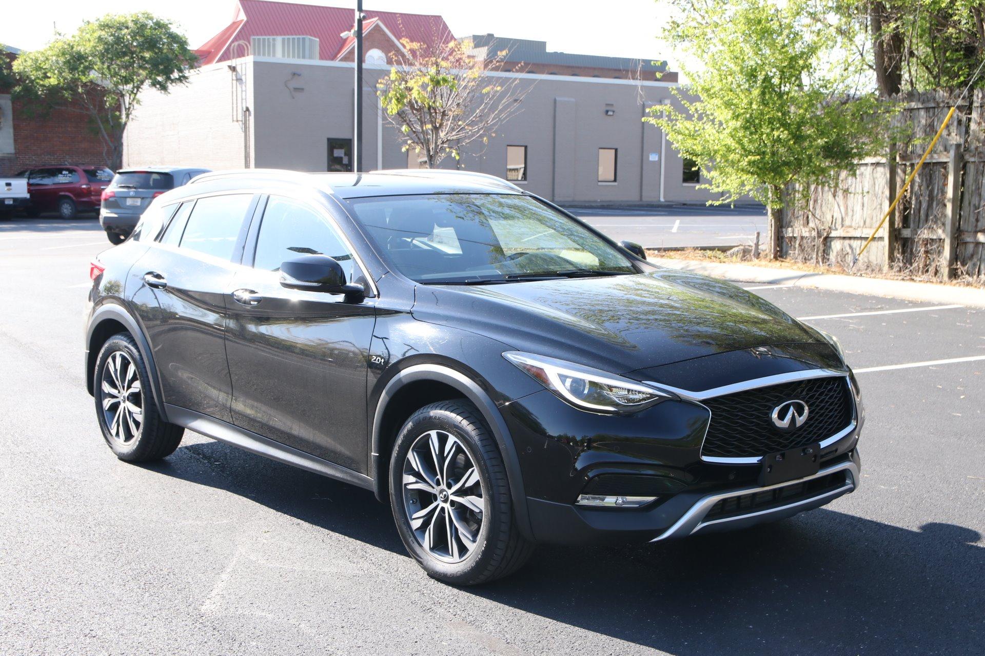 Used 2017 INFINITI QX30 Premium AWD W/NAV Premium for sale Sold at Auto Collection in Murfreesboro TN 37130 1