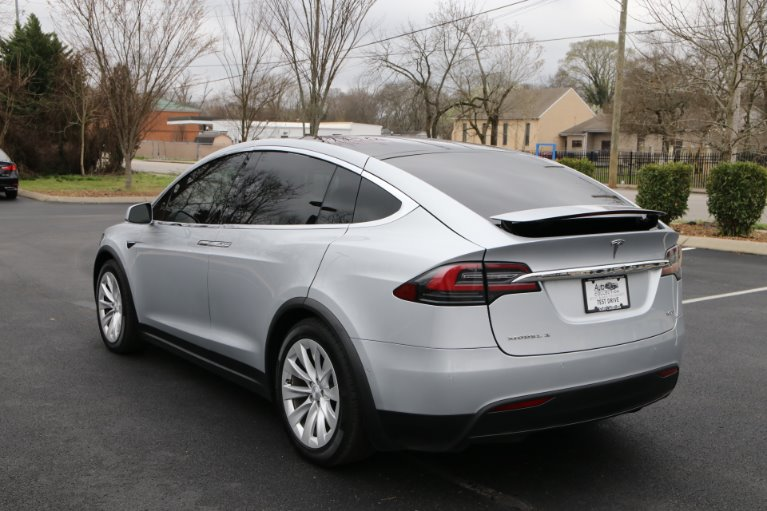 Used 2017 Tesla Model X 100D AWD W/NAV 100D for sale Sold at Auto Collection in Murfreesboro TN 37129 4