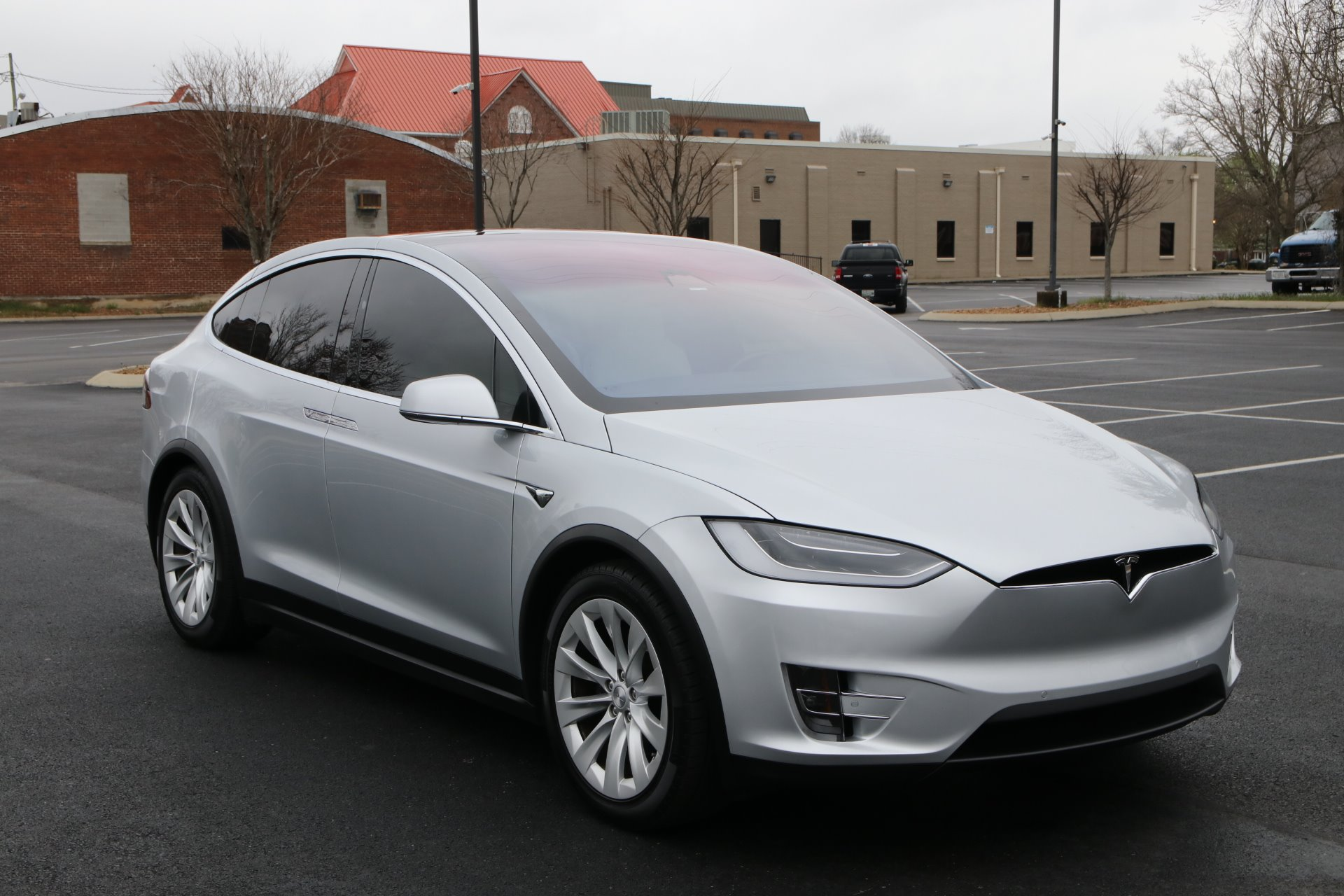 Used 2017 Tesla Model X 100D AWD W/NAV 100D for sale Sold at Auto Collection in Murfreesboro TN 37129 1