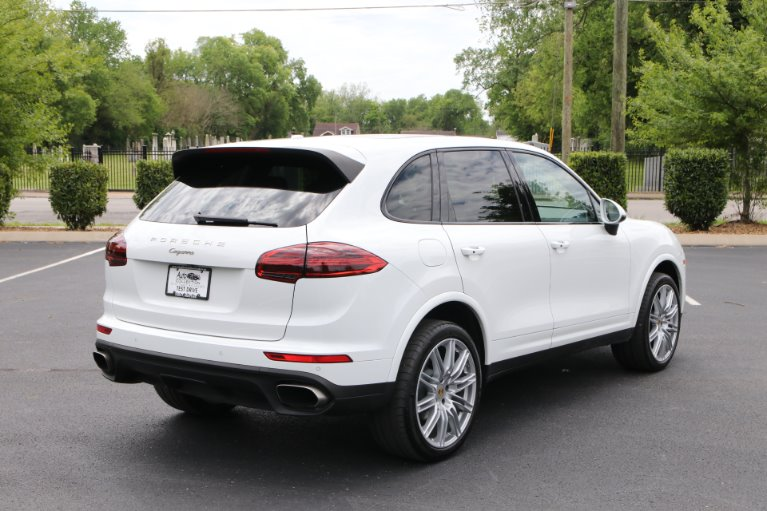 Used 2018 Porsche CAYENNE PLATINUM Awd W/nav BASE for sale Sold at Auto Collection in Murfreesboro TN 37130 3