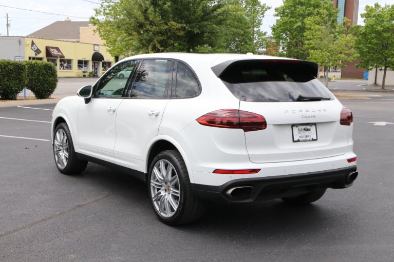 Used 2018 Porsche CAYENNE PLATINUM Awd W/nav BASE for sale Sold at Auto Collection in Murfreesboro TN 37130 4