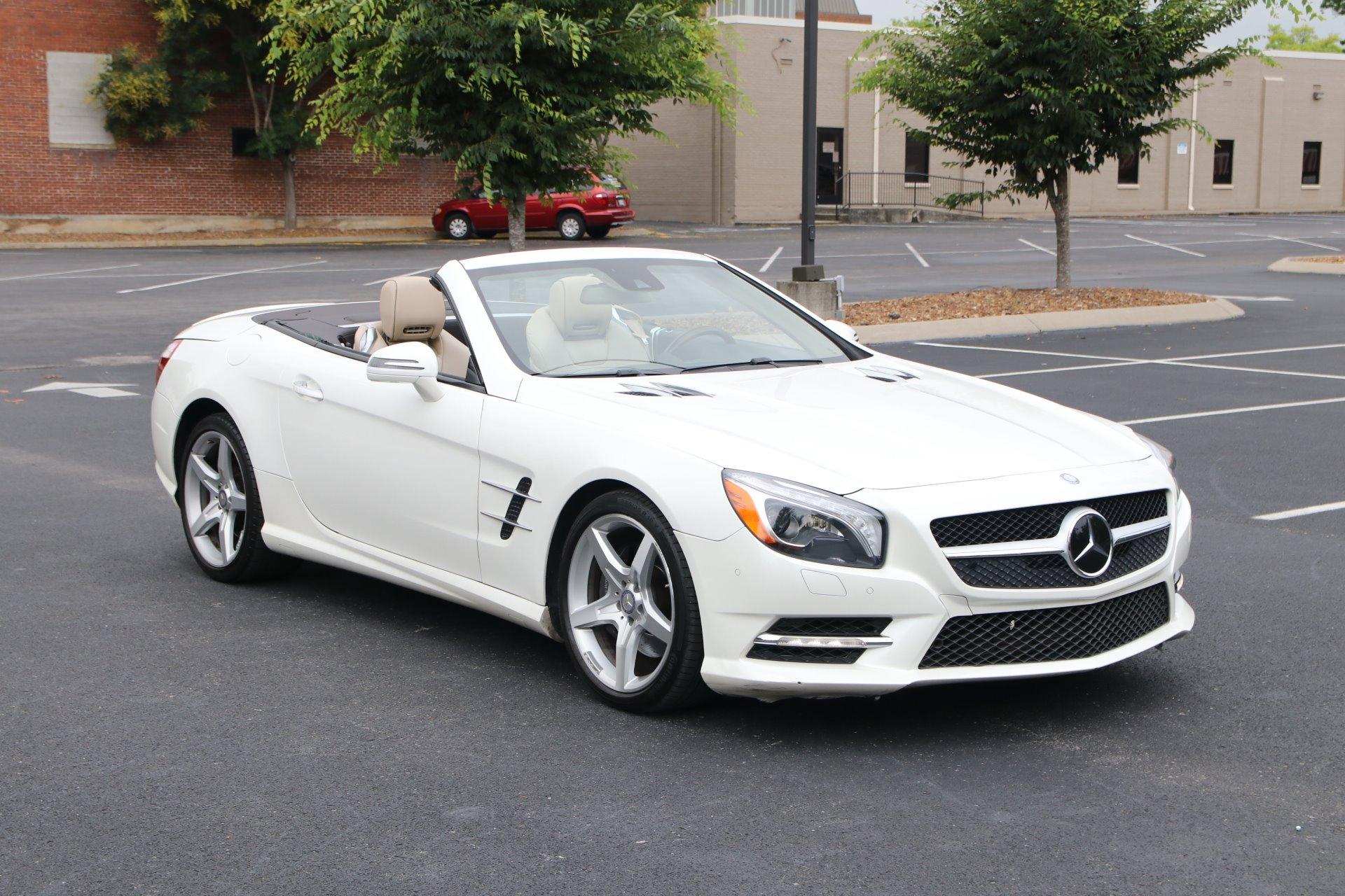 Used 2016 Mercedes-Benz SL550 SL 550 for sale Sold at Auto Collection in Murfreesboro TN 37130 1