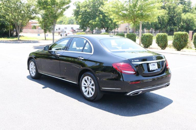 Used 2017 Mercedes-Benz E300 Luxury W/NAV E 300 for sale Sold at Auto Collection in Murfreesboro TN 37130 4