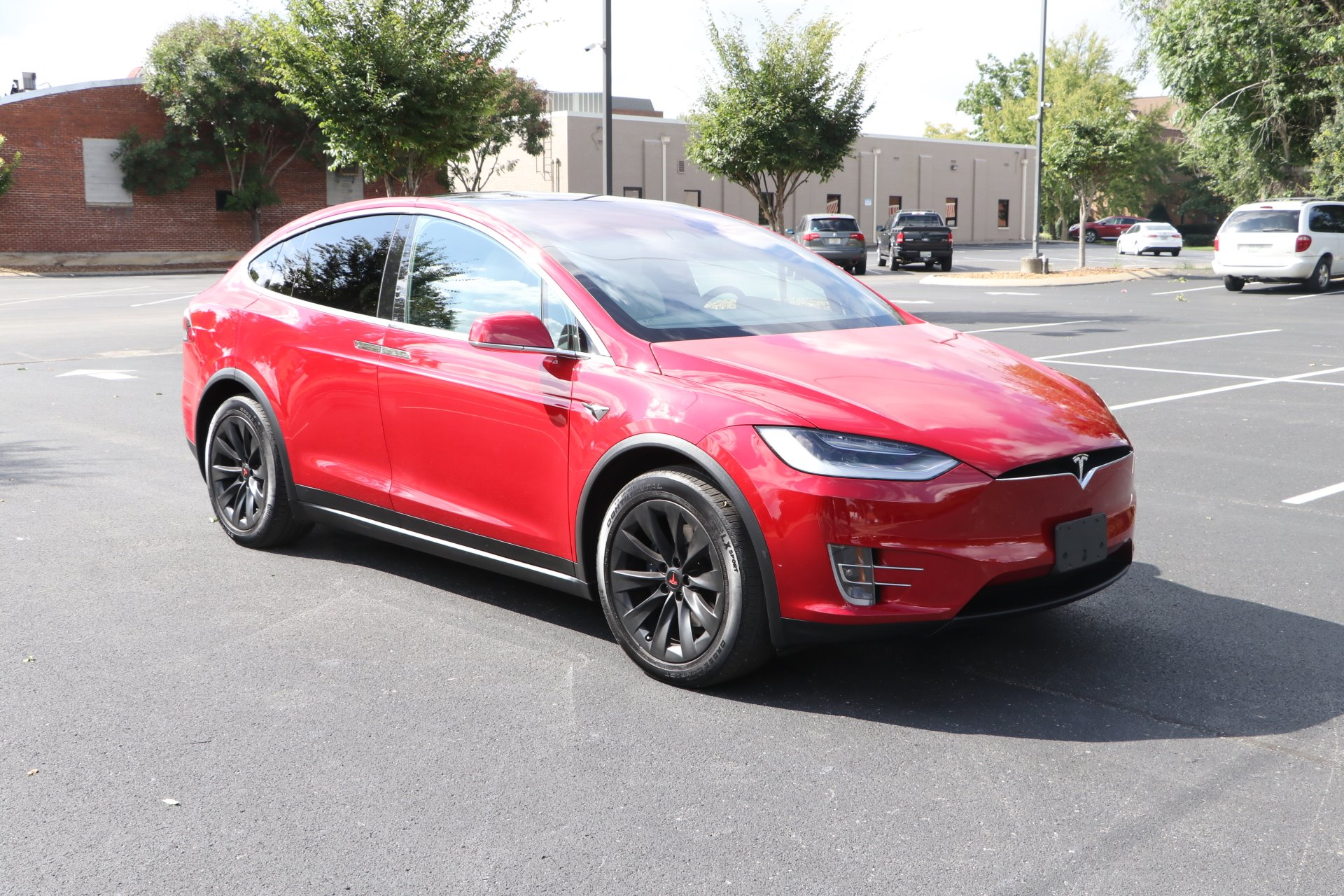 Used 2020 Tesla MODEL X long range AWD W/NAV Long Range for sale Sold at Auto Collection in Murfreesboro TN 37130 1