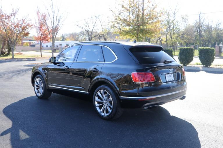 Used 2017 Bentley BENTAYGA TOURING W12 AWD W/NAV for sale $138,950 at Auto Collection in Murfreesboro TN 37130 4